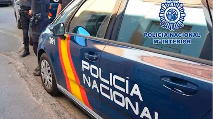 Tres detenidos por estafar 34.000 euros a una mujer en Móstoles haciéndose pasar por libreros