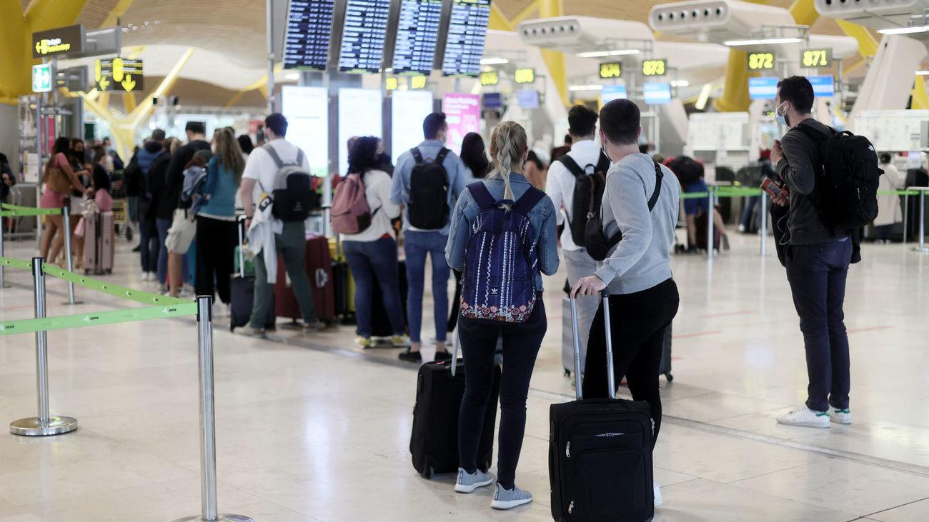 Barajas operó el 25 % de los pasajeros en mayo y estará a pleno rendimiento en julio