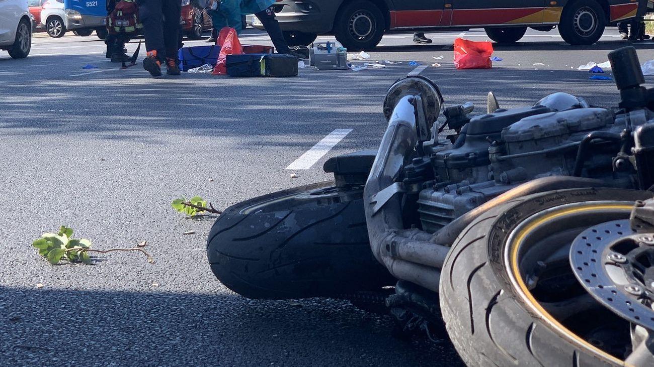 Grave un motorista en Madrid tras un accidente en la salida de la M-30 por la A-5