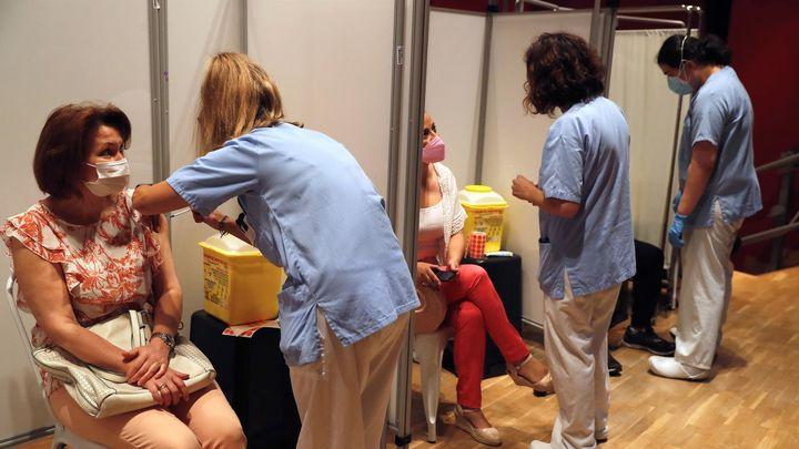 El 42,4% de los madrileños tiene puesta la pauta completa de la vacuna contra la covid