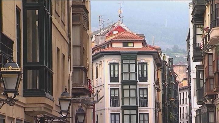 Polémica ley en el País Vasco: Los pisos vacíos más de 2 años deberán pagar una tasa de hasta 30 euros por m2