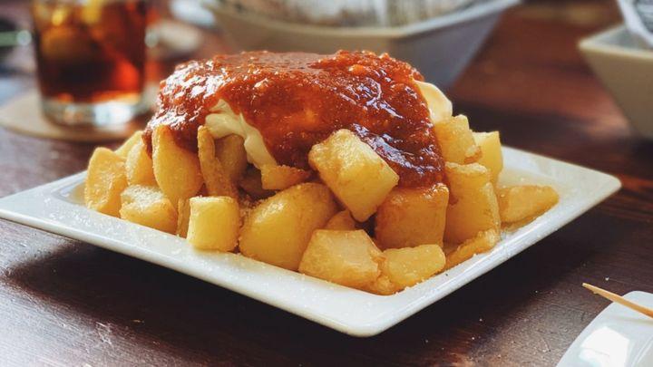 Dónde comer las mejores patatas bravas de Madrid