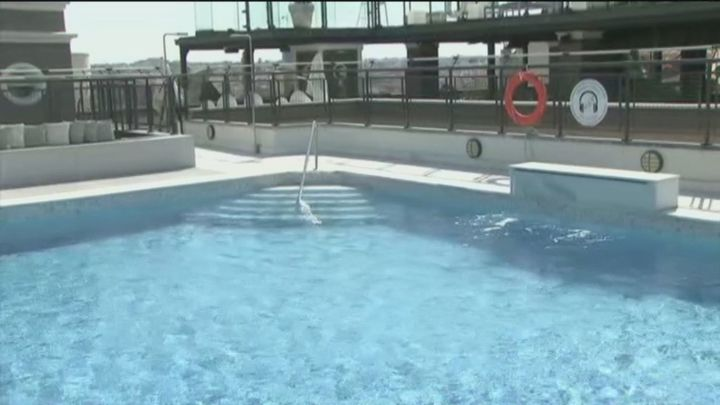 Reabre la piscina en azotea más grande de Madrid