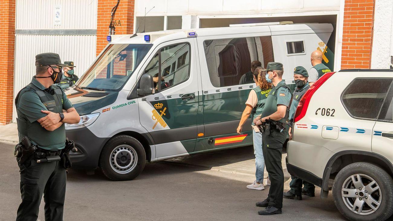 Termina tras 5 horas el registro y reconstrucción del asesinato de Rocío Caíz