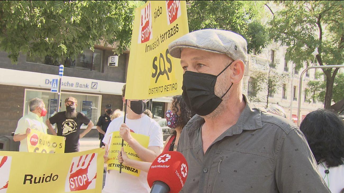 """Vecinos de Retiro protestan contra el """"descontrol"""" de las terrazas"""
