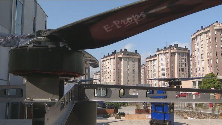 Alumnos de un instituto de Lugo construyen el dron más grande de España