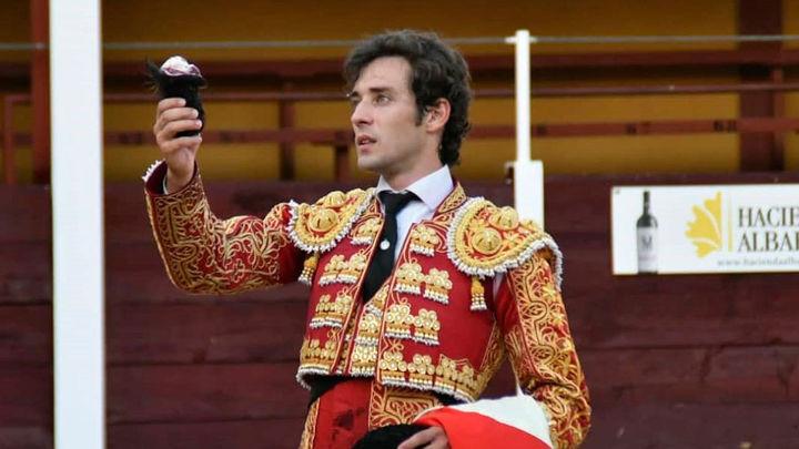 Álvaro Burdiel corta una oreja en su debut con picadores en Anchuelo (parte 1ª)