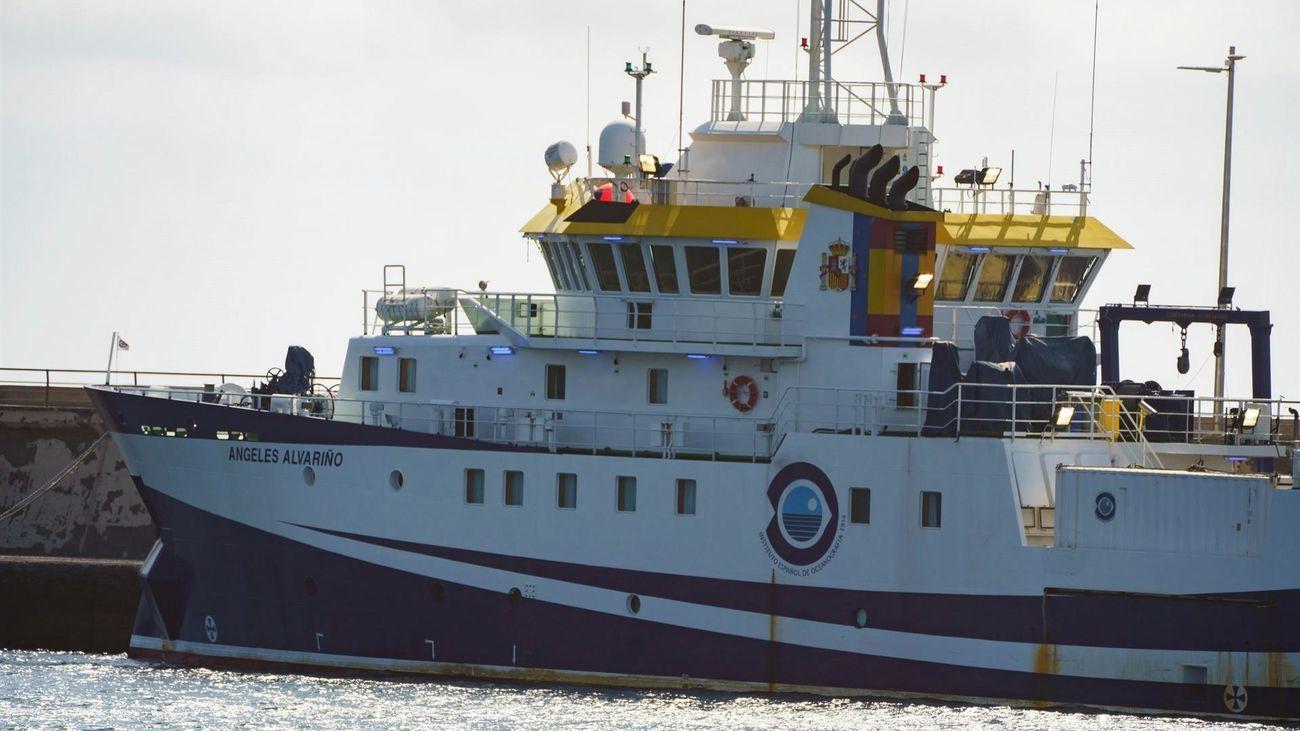 El  buque Ángeles Alvariño reanuda la búsqueda de Anna en Tenerife