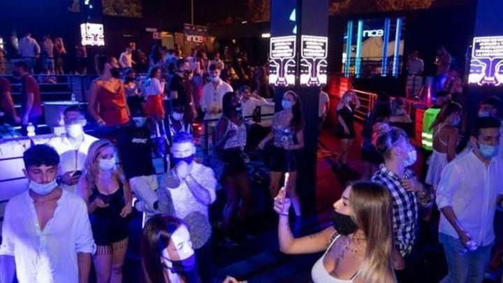 El ocio nocturno de Madrid celebra la apertura de las pistas de baile