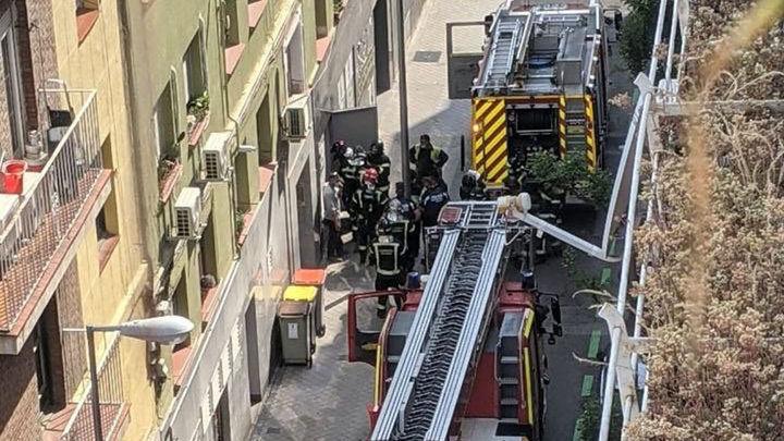Un  incendio en una 'cocina fantasma' deja sin luz varias calles de Chamartín