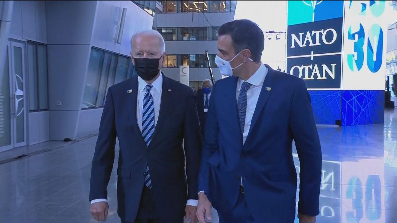 Conversación de 45 segundos entre Sánchez y Biden antes del comienzo de la cumbre de la OTAN