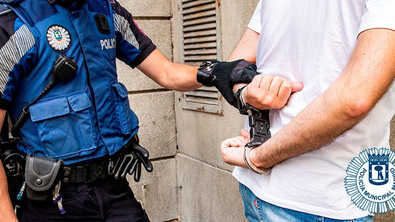 Detención del joven que agredió a dos policías en Madrid