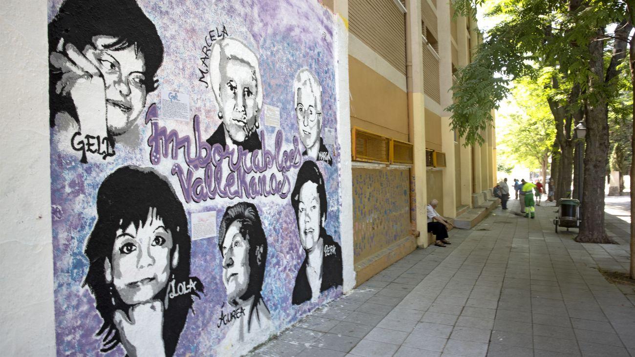 El mural feminista de Villa de Vallecas con los rostros de las seis vecinas