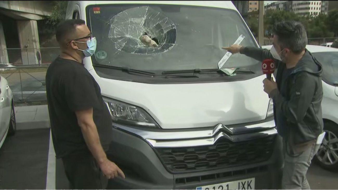 Detenido el hombre que rompía las lunas de los coches de un aparcamiento disuasorio en Vallecas