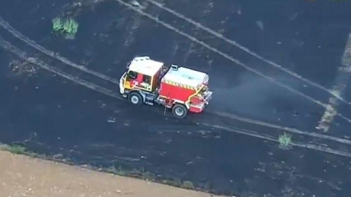 Un incendio agrícola en Daganzo de Arriba provoca una gran columna de humo