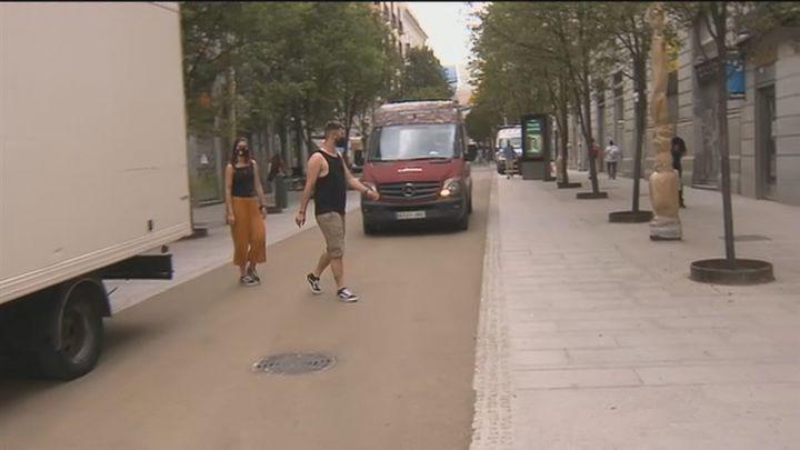 Polémica por el asfaltado de las calles Arenal y Montera que sustituye las antiguas losetas
