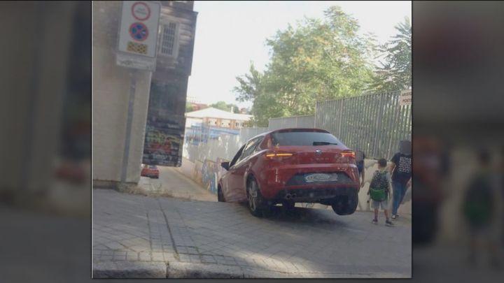 El callejón que atormenta a los padres del Colegio Méjico en el barrio de la Concepción
