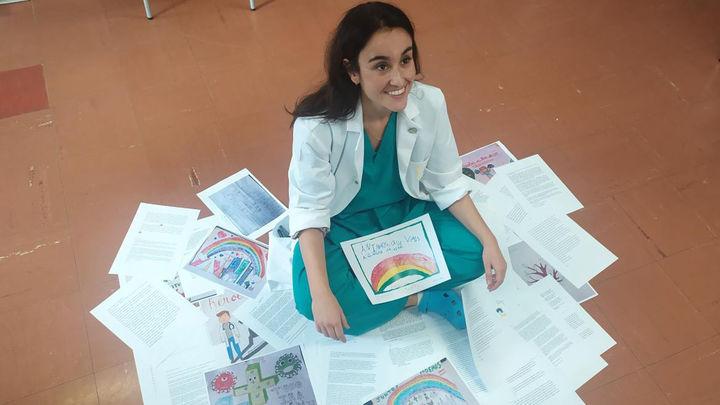 Premian a una doctora del Hospital de la Princesa por cartas de apoyo a enfermos de covid