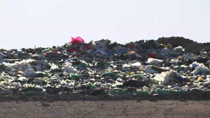 Ecologistas denuncian los olores nauseabundos del vertedero de Pinto
