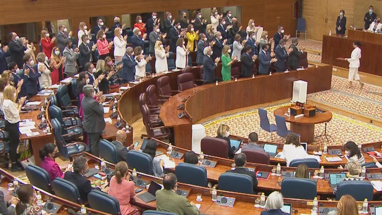 La oposición en la Asamblea de Madrid critica con dureza el discurso de Ayuso