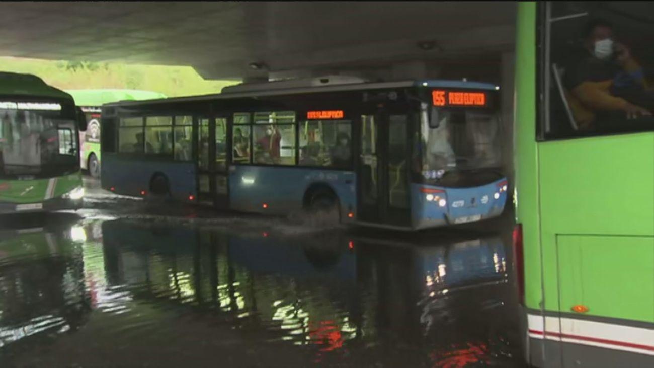Cuatro líneas de buses interurbanos afectados por la inundación del intercambiador de Aluche