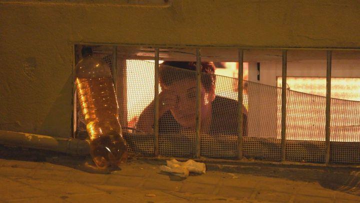 ¿Cómo es vivir en un sótano junto a una cocina fantasma?