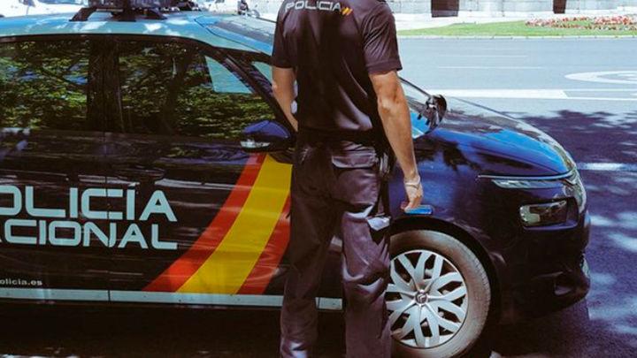 Dos detenidos que simulaban ser revisores de una compañía eléctrica para robar en pisos de Alcorcón