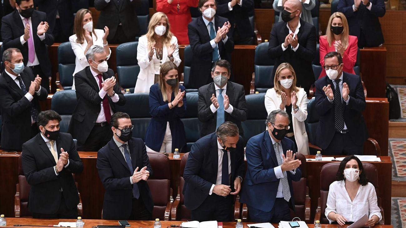 La segunda sesión del Pleno de investidura de Isabel Díaz Ayuso, minuto a minuto