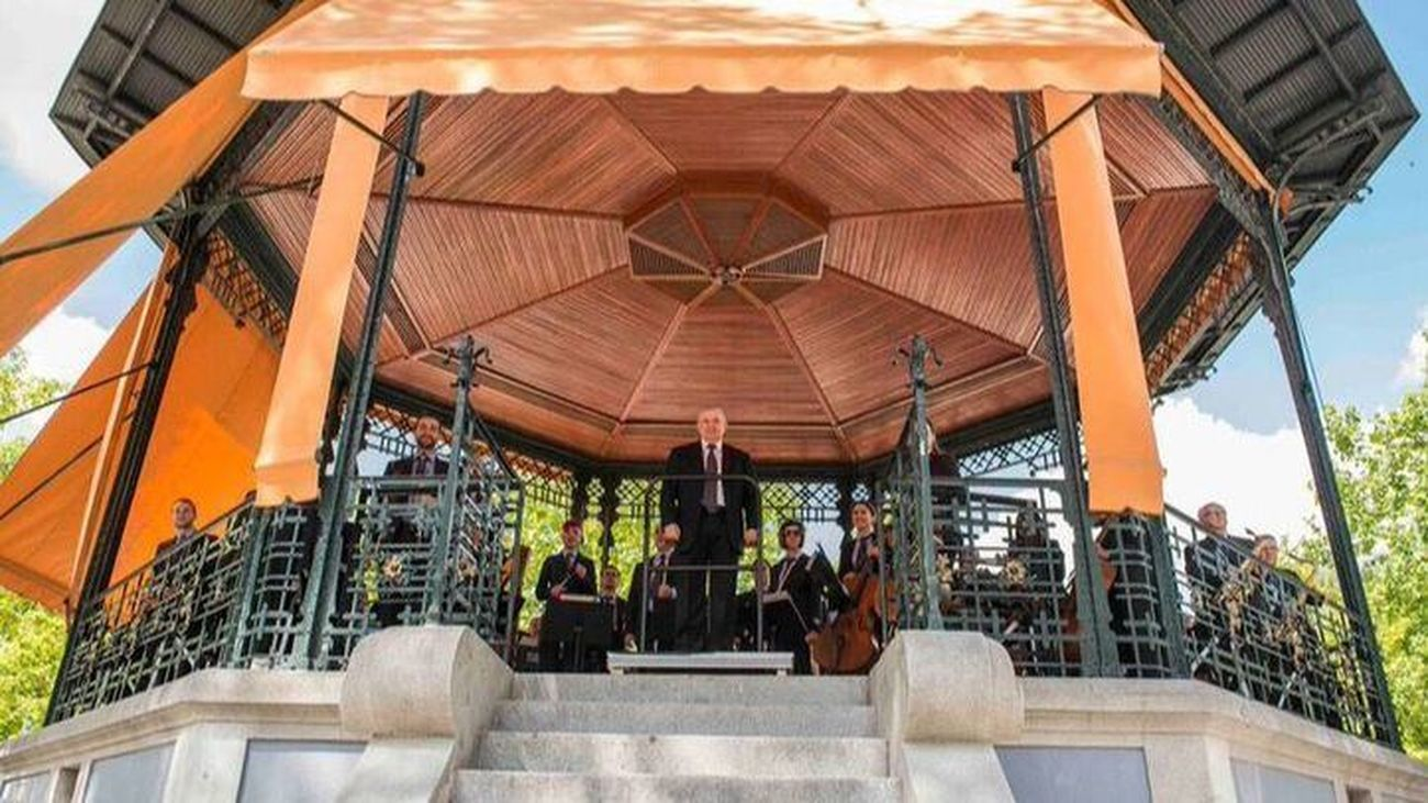 La Banda Sinfónica de Madrid ofrece este domingo en el templete de El Retiro un nuevo concierto de su ciclo de verano