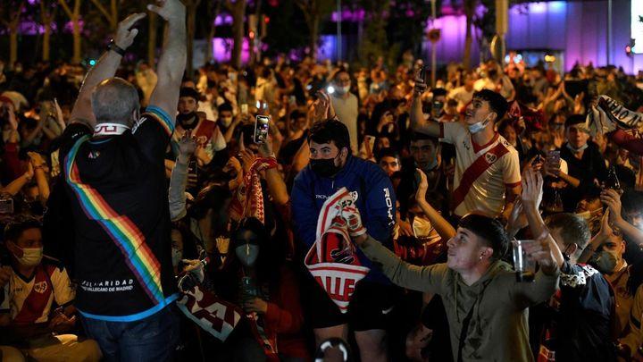 Vallecas celebra el ascenso del Rayo a Primera