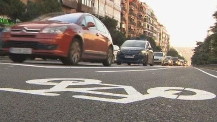 El carril bici de Castellana entre Atocha y la plaza de Castilla tendrá doble sentido en rotondas y giros más suaves