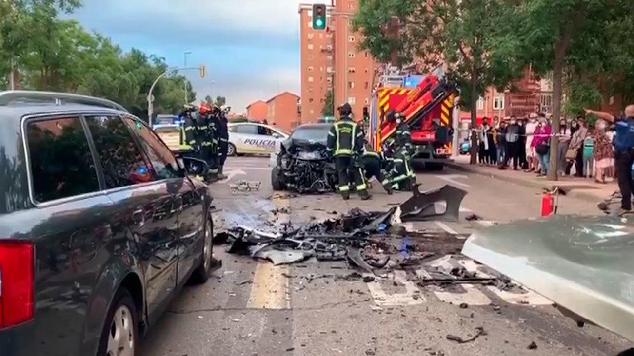 Dos heridos graves en un choque múltiple en la Avenida de Entrevías de Vallecas