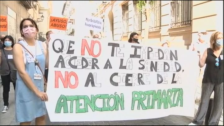 Asociaciones vecinales de Fuencarral-El Pardo convocan una protesta por el cierre de su centro de salud en verano