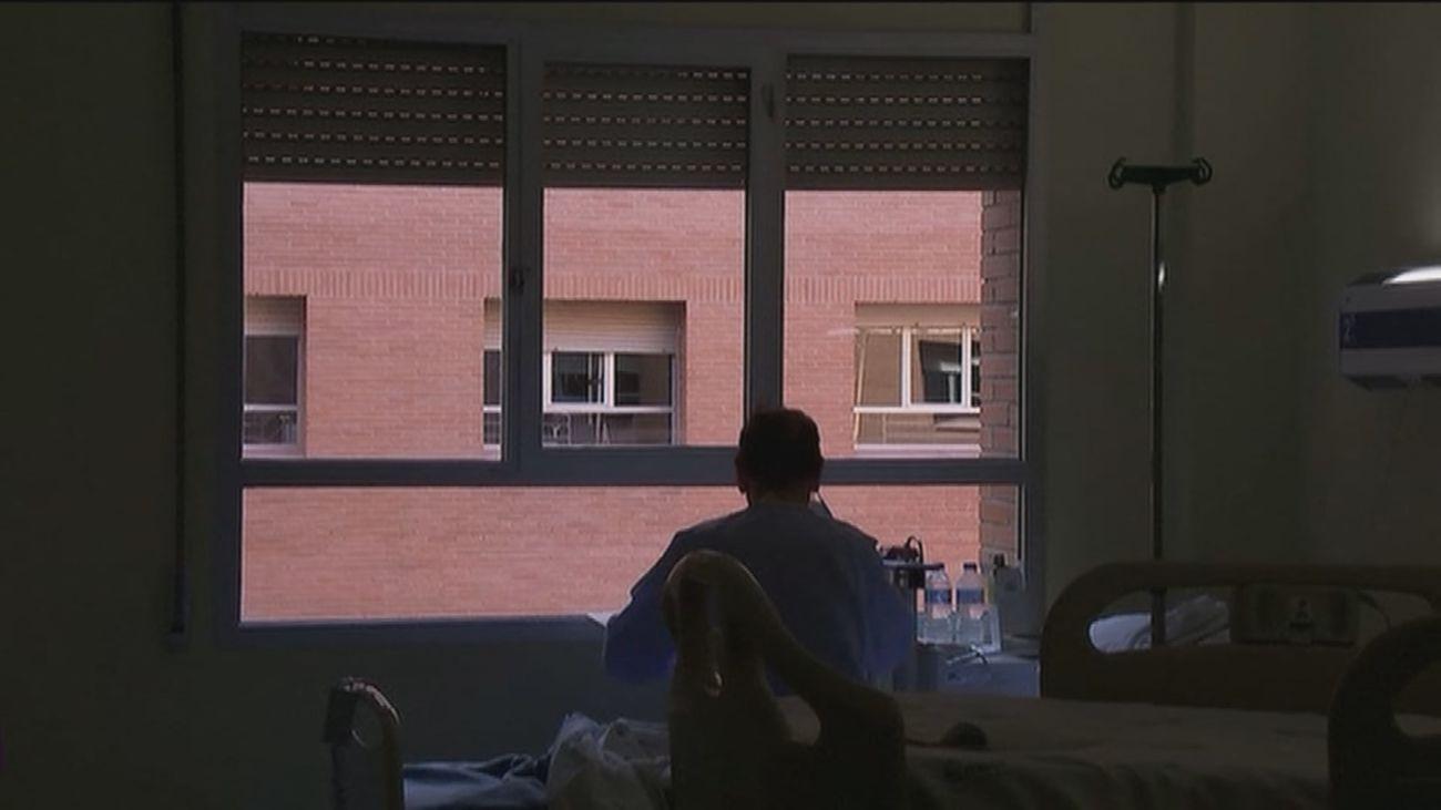 """Un enfermo crónico de Torrejón, """"atrapado"""" por el protocolo Covid"""