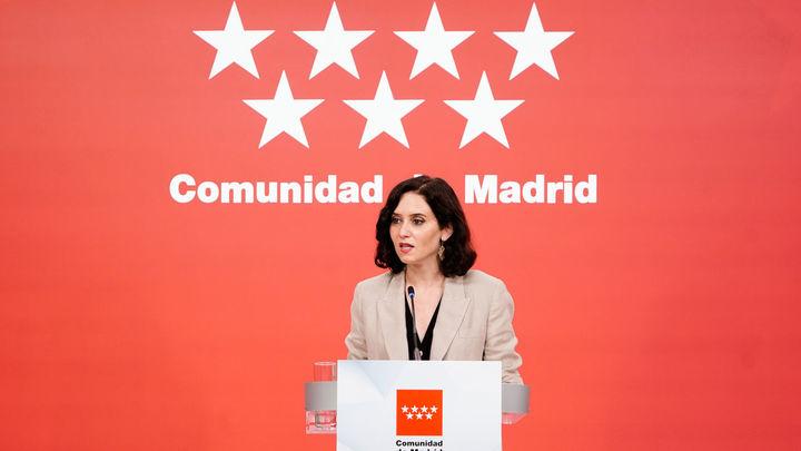 Ayuso carga contra Sánchez por los indultos en una declaración institucional