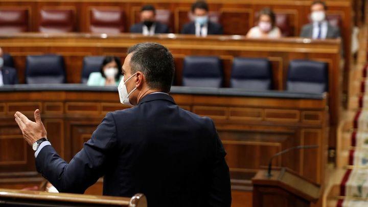 """Casado pide por los indultos la dimisión de Sánchez, quien defiende que es """"una medida reparadora"""""""
