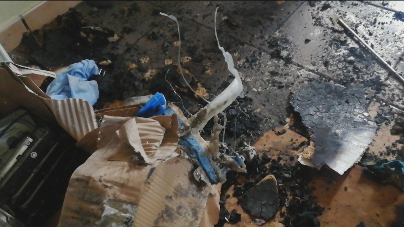 Vandalismo en Cerro Alarcón: Entran en su casa y prenden fuego al sótano