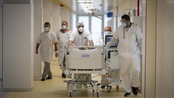 SATSE denuncia el cierre de más de 1.600 camas de hospital en Madrid durante el verano