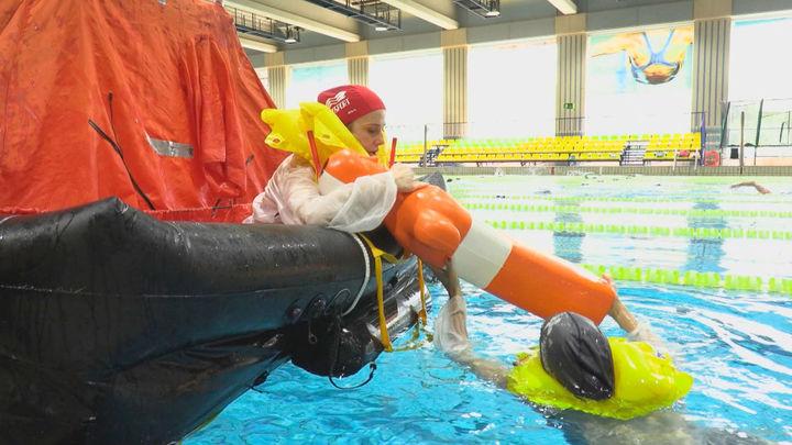 Así es un simulacro de amerizaje en una piscina
