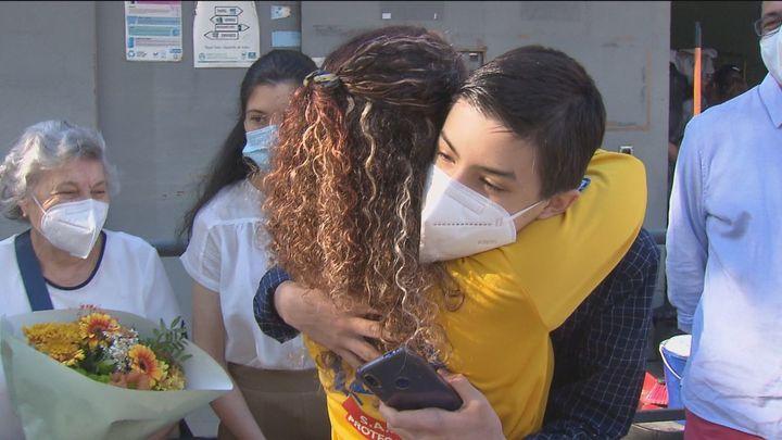 Miguel se reencuentra con la médico del Samur que, junto a su profe de gimnasia, le salvaron la vida