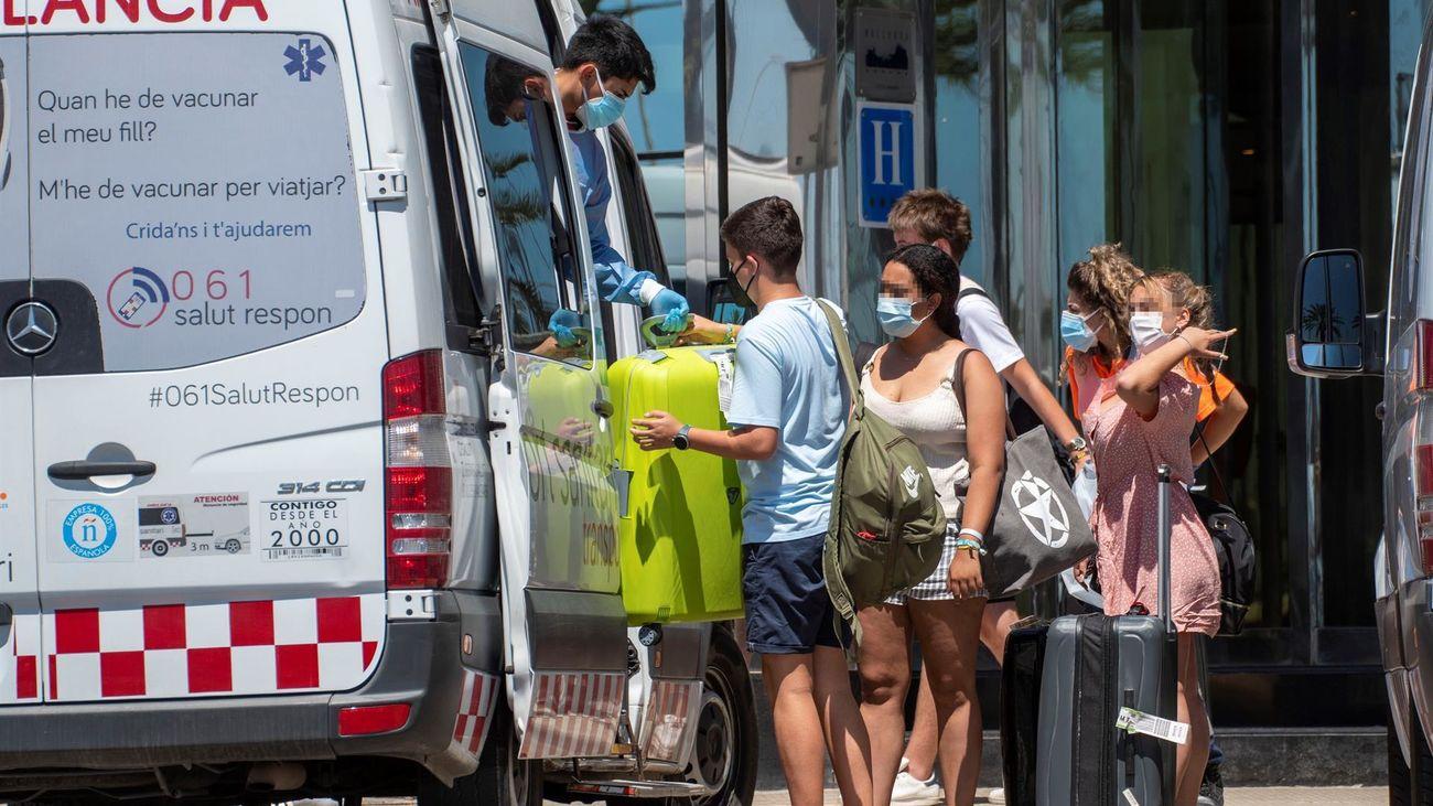 Identificadas 5.126 personas en los brotes de Baleares y 1.167 contagios