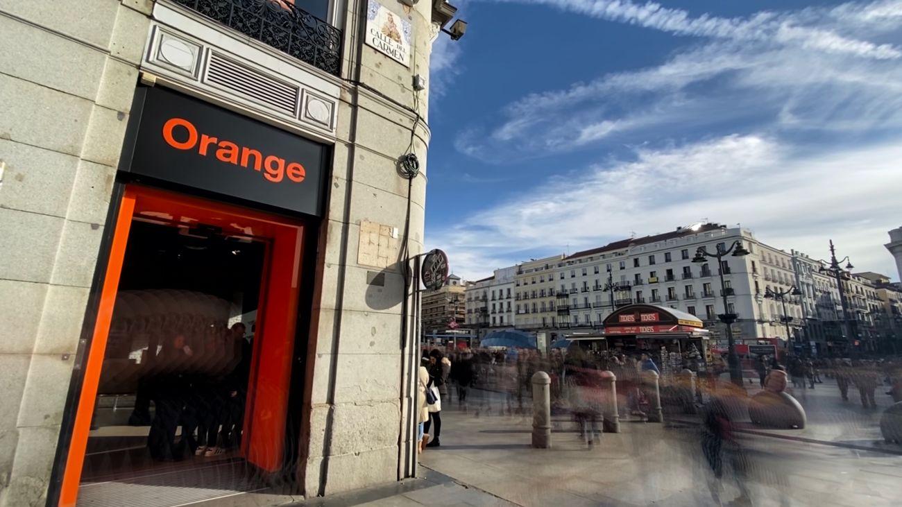 Exterior tienda Orange en Madrid