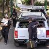 Se llevan numerosa documentación de casa de José Luis Moreno tras once horas de registro