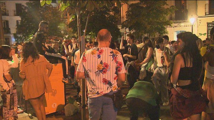 La Policía Municipal contempla el cierre puntual de las plazas de Chueca y Zerolo para evitar aglomeraciones