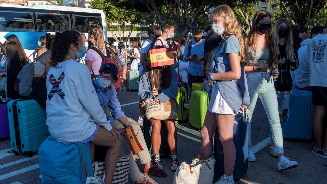 Los 21 estudiantes de Moratalaz confinados en Mallorca regresan en barco