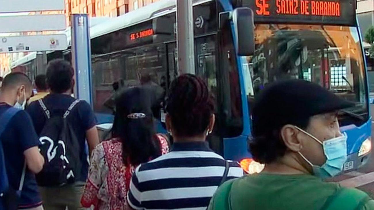 Servicio de autobuses gratuítos por los cortes de la línea 6 de Metro de Madrid
