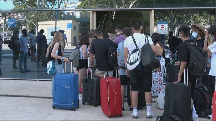 El dispositivo 'burbuja' para los 118 estudiantes del macrobrote de Mallorca