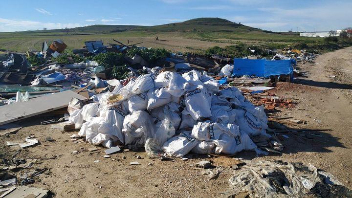 Fuenlabrada pide colaboración de ciudades vecinas para evitar vertidos ilegales en La Cantueña