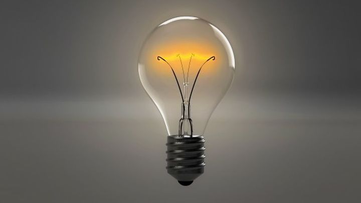Subida imparable del precio de la luz... y en plena ola de calor