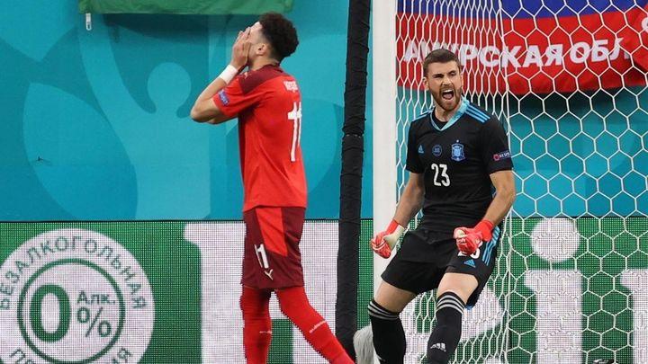 1-1 (1-3). Un heroico Unai Simón da el pase a semifinales en la tanda de penaltis